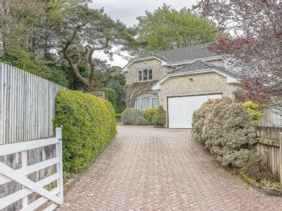 House for sale, Isacombe Oaks - House