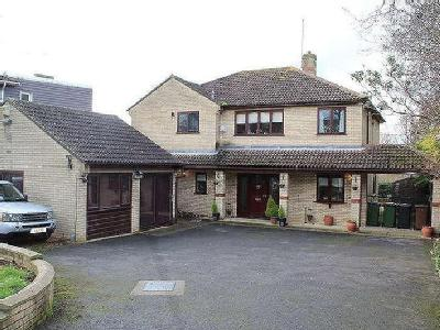 House for sale, Oundle Road - Garden