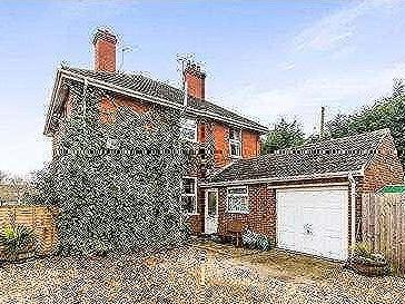 House for sale, Witham Road - Hot Tub