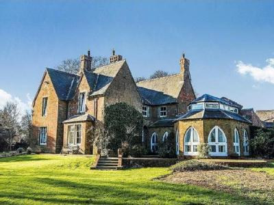 House for sale, The Manor - Garden