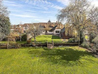 House for sale, Bartons Road - Garden