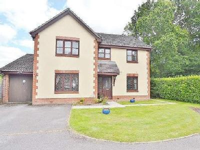 House for sale, Upmill Close - Modern