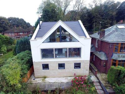 House for sale, Moss Bank Way