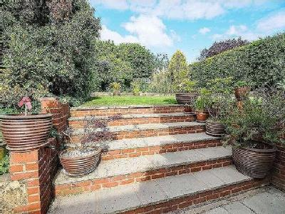 House for sale, Marston Road - Garden