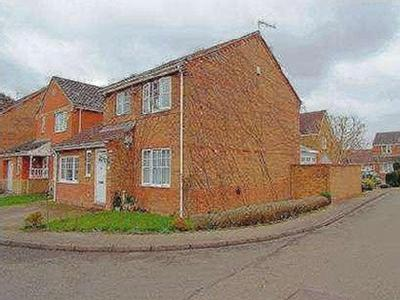 Wilks Farm Drive - Detached, Garden