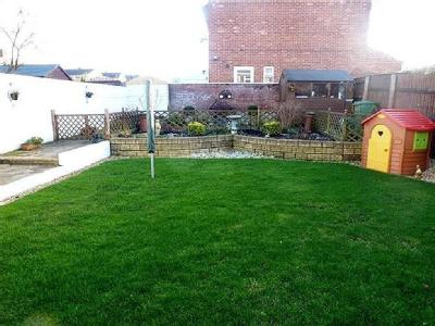 House to let, Dundas Road - Patio