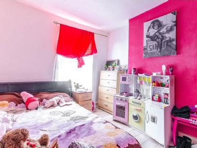 House for sale, Mayes Road - Garden