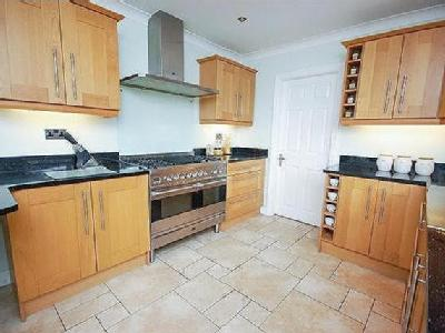 House for sale, Ab Lench - Detached