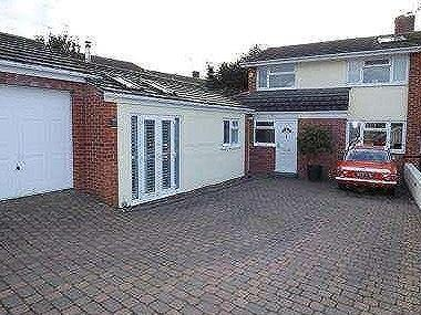 House for sale, Warwick Close - House