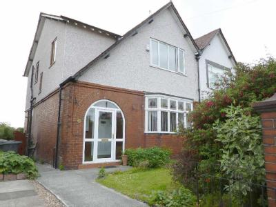 Moston Lane East - Detached, Garden
