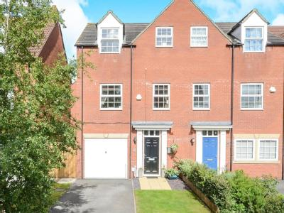House for sale, Broadstone Way