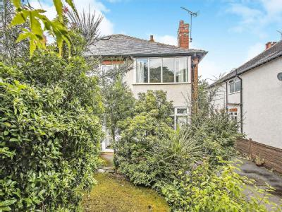 10 Properties For Sale In Roundhay Leeds From William H Brown