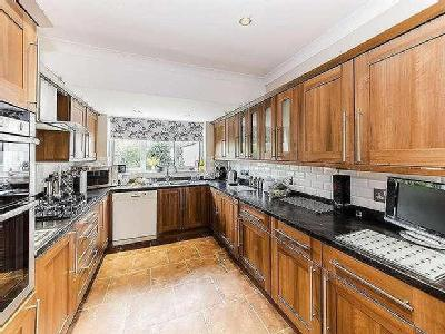 House for sale, Loxwood Avenue