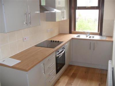 House to rent, Barcroft Road - Modern