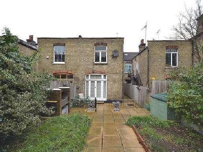 House for sale, Priory Road - Garden