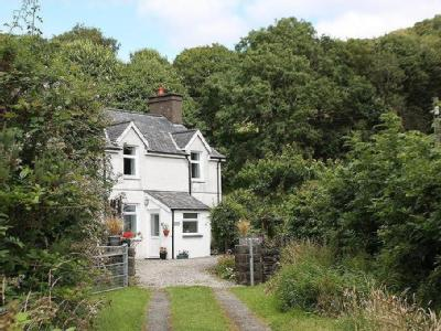 House for sale, Yr Hen Farchdy