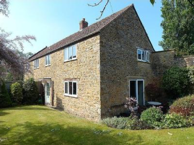 South Street, Castle Cary - Detached