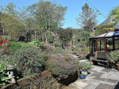 House for sale, Lower Town - Garden