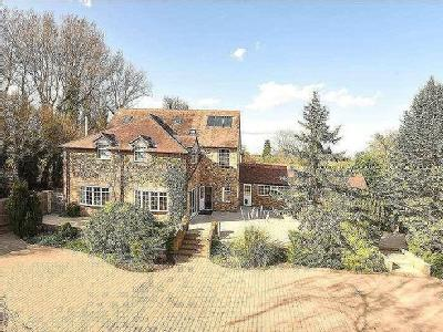 Cherry Tree Lane, Iver, Buckinghamshire, SL0