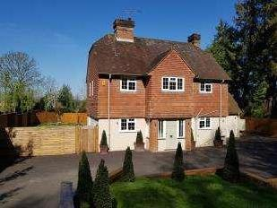 Chichester Road, Midhurst, West Sussex, GU29