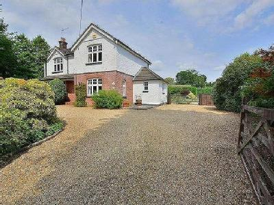 Edmondsham Road, Verwood, BH31