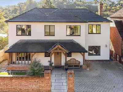 Peperharow Road, Godalming, Surrey, GU7