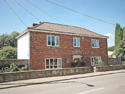 Doncaster Road, Foulby - Detached