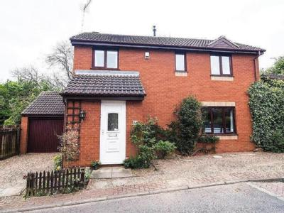 Manor Farm Road, Crigglestone, Wakefield, WF4