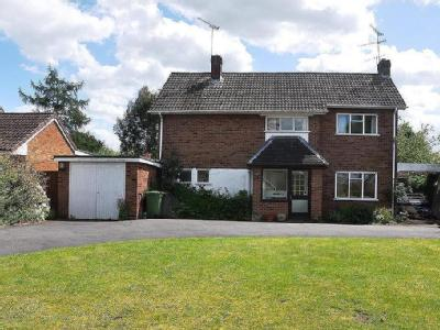 Myton Crescent, Warwick - Detached