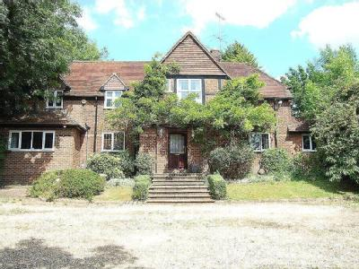 Lincoln Road, Chalfont Heights, Chalfont St Peter, SL9