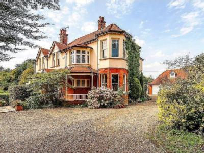 Main Road, Bicknacre, Chelmsford, Essex, CM3