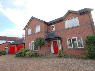 Vale Gardens, Alsager - Detached