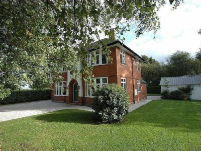 Strawberry Way East, Backford, Chester