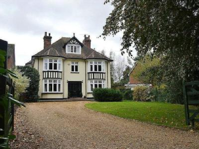 Rosslyn, 5 Park Road, Stansted
