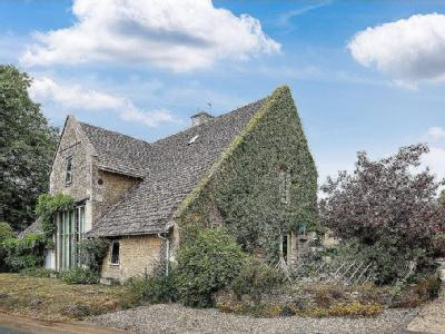 Ampney St. Mary, Cirencester, Gloucestershire, GL7