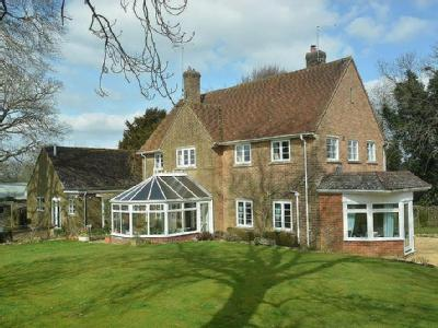 LOWER BLANDFORD ST MARY - Detached