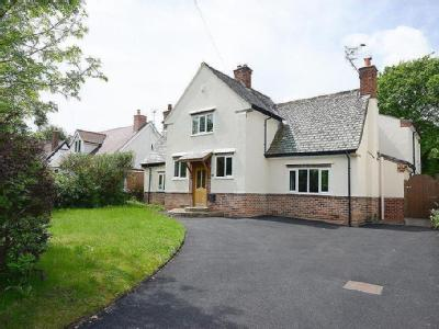 Storrs Road, Chesterfield - Detached