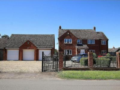 The Gables, Gooderstone - Detached