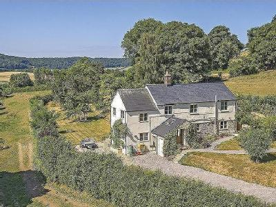 House for sale, Uley - Garden