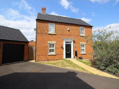 Starnhill Way, Bingham - Detached