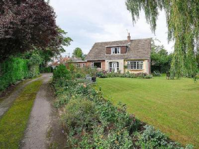 Roecliffe, York - Detached, Garden