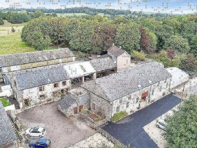 & Two Six Bedroom Holiday Lets, Buxton