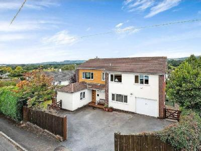 High Close, Bovey Tracey - Detached