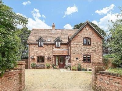 House for sale, Stow Bedon - Detached