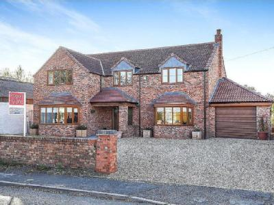 High Street, Pointon, NG34 - Detached
