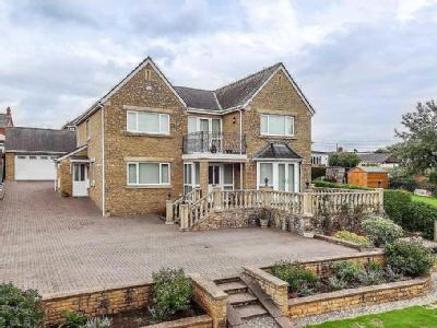 Beaufort Drive, Lydney - Reception