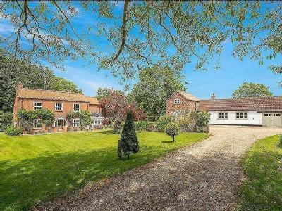 Horncastle Road, Goulceby set in approx 3.5 acres