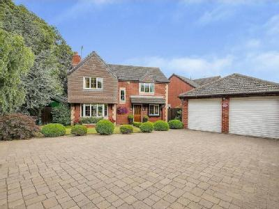 Westwood Road, Bawtry - Detached