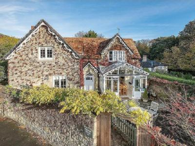 Madeira Road, Ventnor - Detached