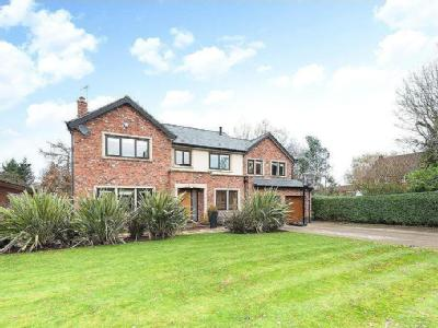 Pool End Close, Macclesfield, Cheshire, SK10